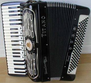 Convertor Grand FreeBass Accordion/Acco​rdian, Excellent Condition