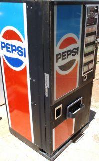 Vintage Pepsi Vending Machine Rare working condition