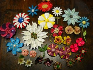 OF 29 VINTAGE COLORFUL ENAMEL FLOWER PINS BROOCH EARRINGS some SIGNED