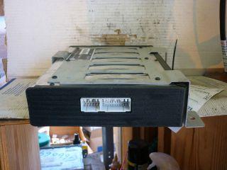 01 03 Chrysler 300M Intrepid Concorde Infinity Radio Amplifier Amp