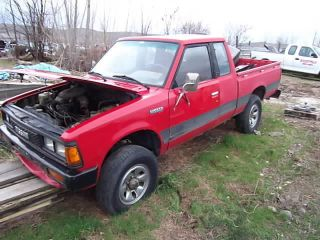 nissan 720 4x4 in Car & Truck Parts