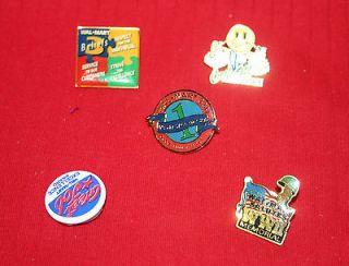 Wal Mart World War II Memorial Pin With 4 Other Wal Mart Pins