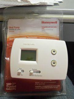 honeywell heat pump thermostat in Home & Garden