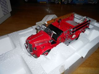 Franklin Mint 1/32 1948 Classic Mack Pumper Truck Fire RARE B11WW98