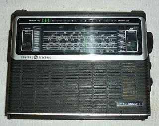 Classic Working General Electric GE 10 Band Radio Short wave Portable