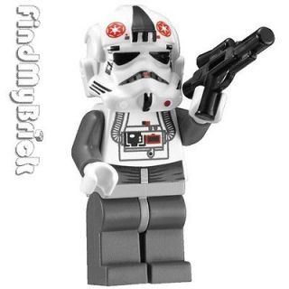 SW737 Lego Star Wars Hoth Battle AT AT Walker Driver Minifigure 8129