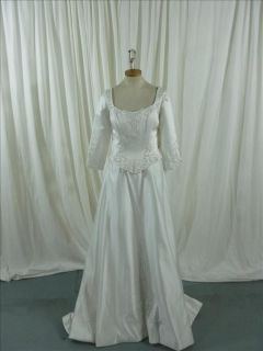 wedding gowns with sleeves in Wedding Dresses