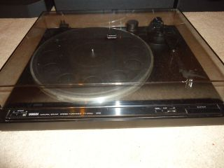 Yamaha Natural Sound Stereo Turntable TT 400U (RS)