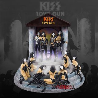 2007 KISS Love Gun Mister   Sexy Ladies Figure Diorama   Demon Ace