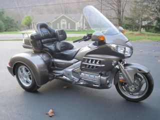 Goldwing GL1800 Champion Trike Premium Audio, New Trike Kit, Ez Steer