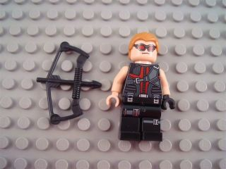 New LEGO Marvel Avengers Hawkeye Minifig with Bow