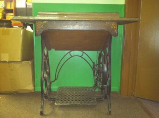 vintage singer sewing machine cabinet in Machines