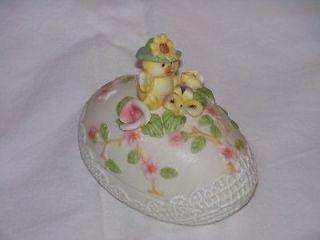 ceramic egg holder in Kitchen, Dining & Bar