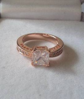 New Rose Gold Plated Amazing CZ Ring Cubic Zirconia Ring size 6, 7, 8