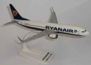 Megamodels RYANAIR BOEING 737 800 1:200 desk model