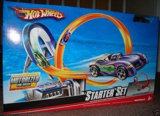 HOT WHEELS MOTORIZED STARTER STUNT LOOP RACE SET,+ CAR