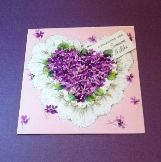 C590  Vintage Valentines Day Greeting Card Pretty Purple Lilac