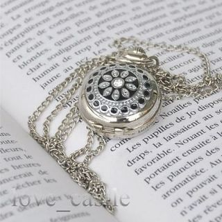 womens silver necklaces in Necklaces & Pendants
