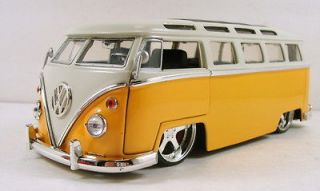 Jada 1972 Volkswagen VW Bus T2 1:24 scale diecast BigTime Kustoms