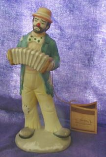 VINTAGE FLAMBRO EMMETT KELLY CLOWN FIGURINE with ACCORDION + ORIGINAL