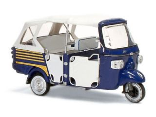 ITALERI Piaggio Ape 50 Calessino Blue Color 1/18 Scale. Hard to find!