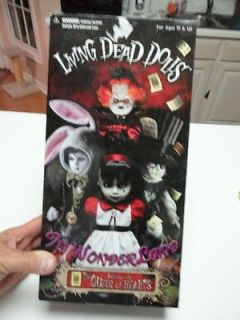 living dead dolls alice in wonderland in Toys & Hobbies