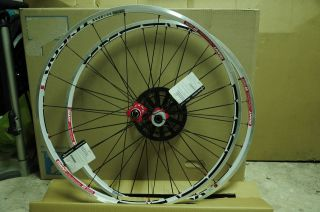 NEW DT SWISS RR1450 Giant Special Edition 700C Road Racing Tubeless