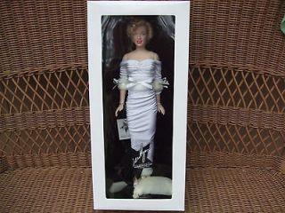 Marilyn Monroe Cover Queen Vinyl Portrait Doll Franklin Mint NRFB MIB