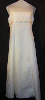 Gently Pre Owned Davids Bridal Flower Girl Formal Teen Ivory Dress
