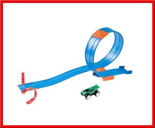 Hot Wheels REV UPS TRACK Pack   CLIMBS METAL WALL Create YOUR Stunts