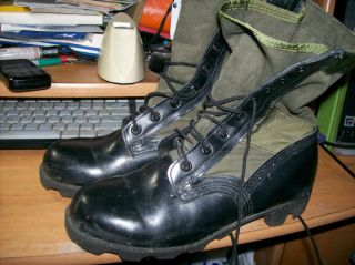 Used pair of WELLCO Spike Protective Military Jungle Boots sz 5W