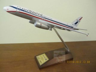 United Airlines Airbus A320 85th Anniversary Friendship Skymarks Model