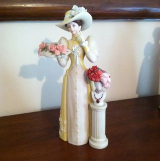 AVON MRS. ALBEE 2005 Presidents Club FIGURINE STATUE AWARD EXCELLENT