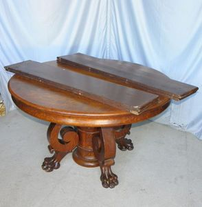 Antique Round Oak Dining Table with Claw feet 4 Original leaves