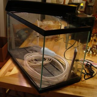 10 Gallon Aquarium/Fish Tank with Filter, Pump & Accessories