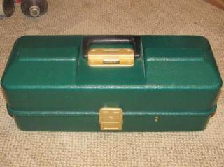 Vintage Umco 173 U Fishing Tackle Box Watertown MN Green