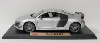 Audi R8 GT Diecast Model Car   Maisto   Silver   118 Scale   New in