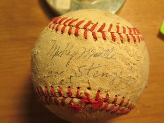 1959 New York Yankees Signed Baseball Mickey Mantle Casey Stengel