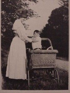 Baby Wicker Pram Carriage Coach Mom Vtg Antique Victorian Long Dress