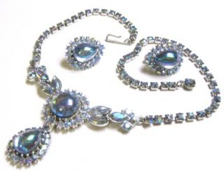 Vtg Aurora Borealis Blue Rhinestone Glass Cab Rhinestone Necklace
