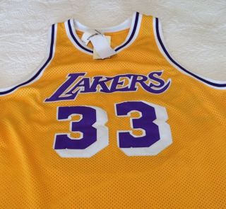 Mitchell & Ness Hardwood Classics Abdul Jabbar 33 Gold & Purple Lakers