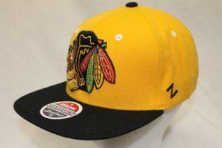 CHICAGO BLACKHAWKS NHL SNAPBACK HAT CAP REFRESH YELLOW/BLACK