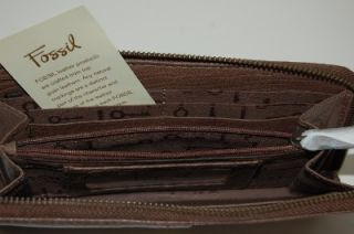New Fossil Quinn Taupe Brown PEBBLED Leather Zip Around Wallet Clutch