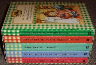 Series by Laura Ingalls Wilder, Lot of 6 Paperback Books, Boxed Set