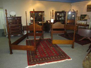 Set of Biggs Hepplewhite Twin 4 Poster Bed Frames w Rails