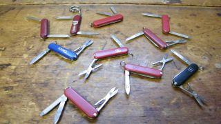 Lot Of (10) Wenger, Victorinox, Rostfrei Pocket Knives Airport