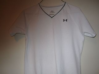 UNDER ARMOUR Girls (YLG) Short Sleeve Heat Gear T Shirt Very Nice