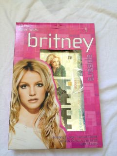 BRITNEY SPEARS VALENTINES DAY CARDS! BRAND NEW, NEVER OPENED! 30FOIL