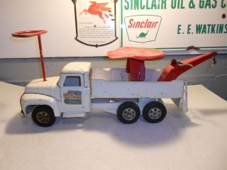 Vintage Buddy L `Sit N Ride` Towing Service Wrecker Truck