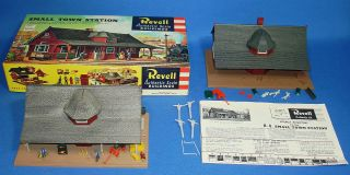 Vintage Revell Authentic Scale Buildings Lot Small Town Station Model